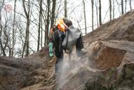 Těžba pomocí sbíjecího kladiva SK12.