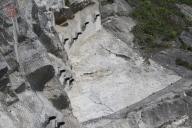 Armovaný stříkaný beton s předpjatými kotvami.