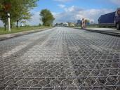 Sanace vozovky pomocí sítě Road mesh.
